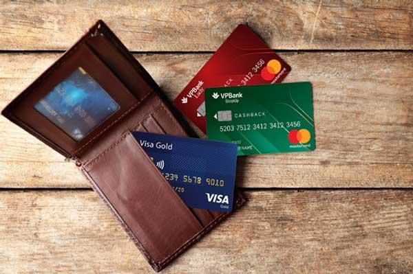 rút tiền thẻ tín dụng quận 3