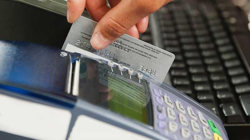 rút tiền thẻ tín dụng pvcombank