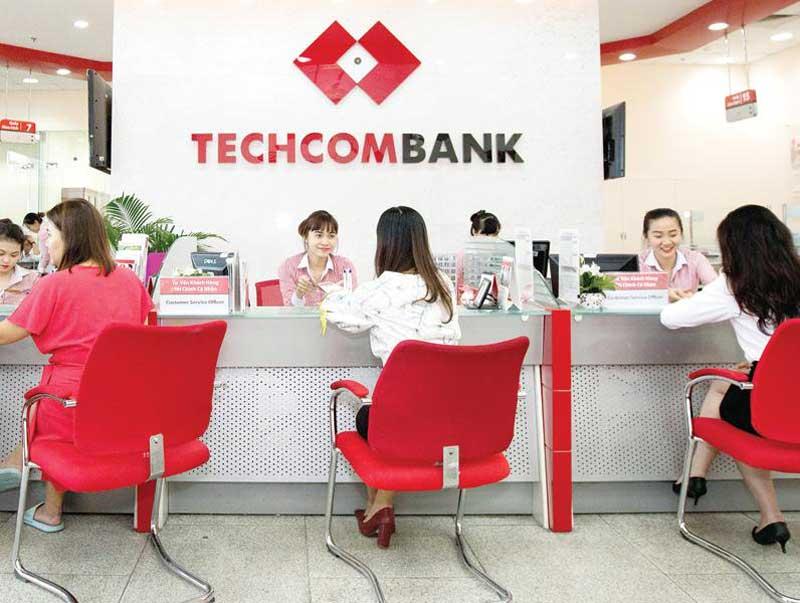 rút tiền mặt thẻ tín dụng techcombank