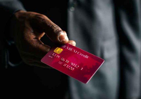 Thanh toán trả góp dư nợ thẻ tín dụng